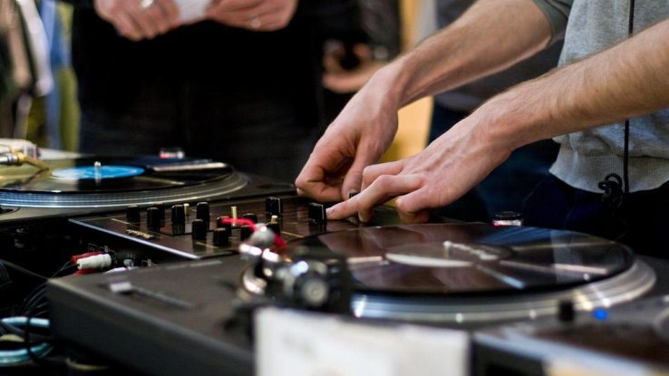 Best Dj Turntable For Beginner