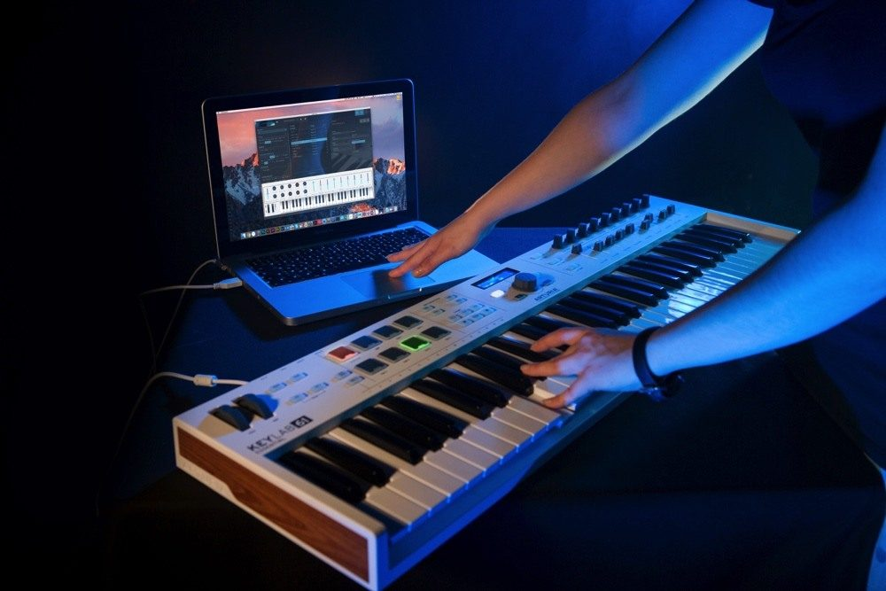 12 Best MIDI Controllers Which Are 'Actually' Worth Buying